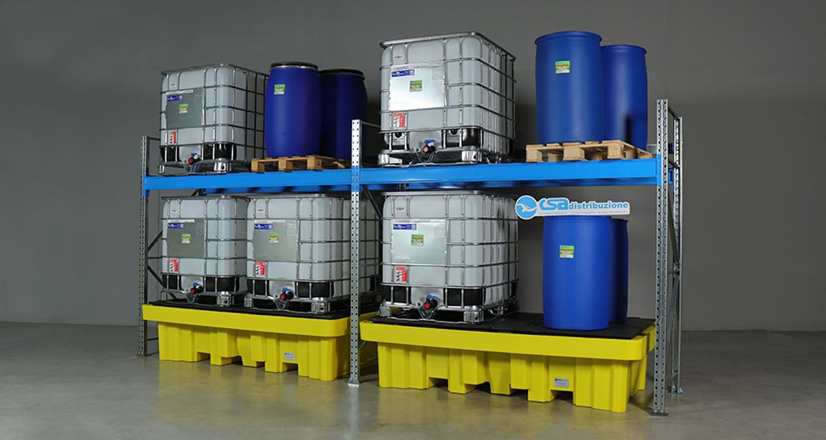 Scaffali metallici stoccaggio liquidi pericolosi